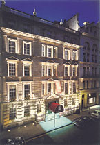 Christie's Auction House, St James