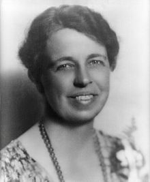 220px-Eleanor_Roosevelt_portrait_1933